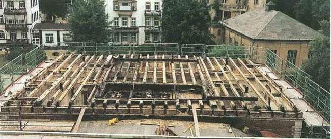 Naturalne materialy izolacyjne a ochrona przeciwpozarowa - ognioodpornosc celulozy przekonuje inwestorow, wladze i straz pozarna - pozar domu rodziny Flinkerbusch - derowerk