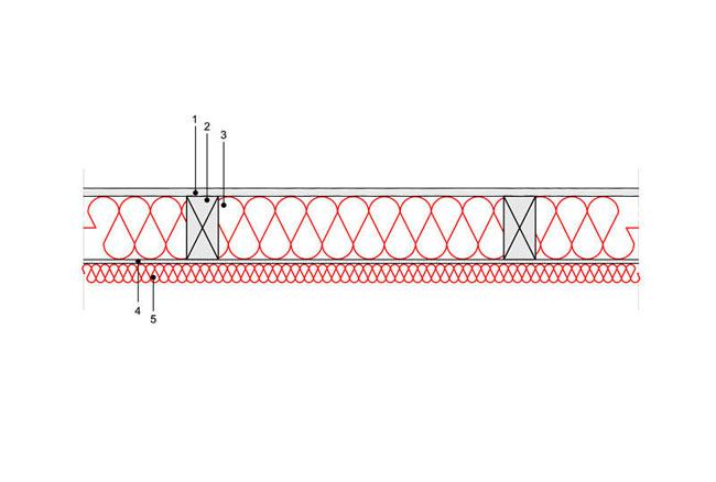 Docieplenie budynku - Podłoga P6 - podloga nad przestrzenia nieogrzewana - legary drewniane o przekroju prostokatnym - warstwa izolacji wdmuchnieta miedzy legary - warstwa izolacji natrysnieta na plyte osb - derowerk