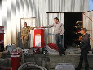 1 maszyna do wdmuchiwania granulatow Minifant