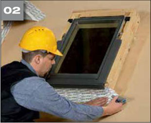 Wigluv 100/150 - jednostronna szeroka tasma klejaca do uszczelniania zewnetrznych polaczen i przebic w miejscach osobliwych - okna dachowe 2 - derowerk