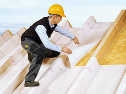 Renowacja dachu membraną wewnętrzną SIGA Majrex®, przepuszczającą wilgoć wyłącznie w jedną stronę
