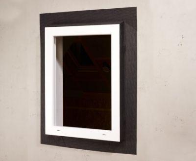 Szczelność wiatrowa iochrona przeddeszczem nazewnątrz – połączenie okna iściany masywnej taśmą FENTRIM. Przykrycie łączenia warstwą ocieplającą.
