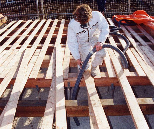 Metody i miejsca instalacji naturalnej izolacji z celulozy docieplania wdmuchiwane stropy derowerk