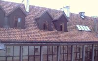 obliczenia-i-przekroje-budowlane-material-izolacyjny-i-systemy-szczelnosci-powietrznej-a-technika-budowlana-dachy-derowerk