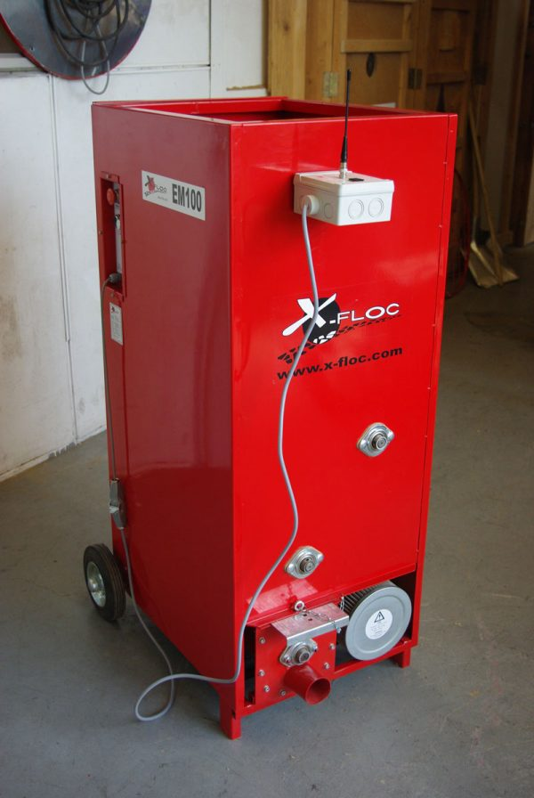 Maszyna EM100 do wdmuchiwania izolacji z celulozy, waty szklanej, wełny mineralnej