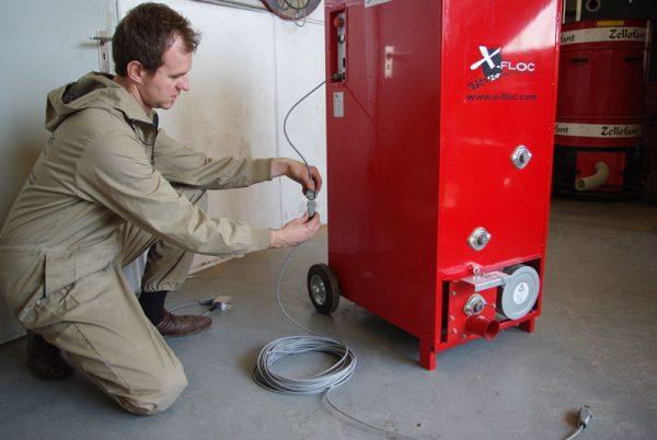 Maszyna wdmuchująca EM100 do wdmuchiwania izolacji z celulozy, waty szklanej, wełny mineralnej